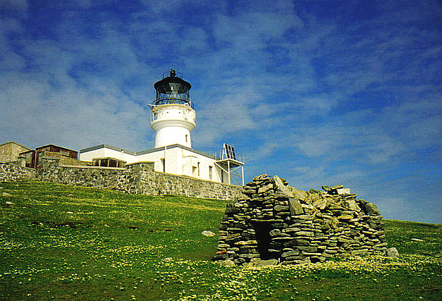 St._Flannan's_Cell_and_Flannan_Isles_Lighthouse_-_geograph.org.uk_-_623920